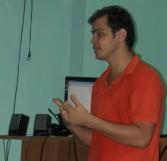El profesor Fidel Alejandro imparte conferencia en postgrado Comunicación Hipermedia en el ámbito local