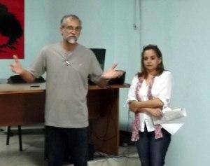 Ariel Terrero, director del Instituto, e Ileana González, subdirectora  del centro docente en la bienvenida del curso.