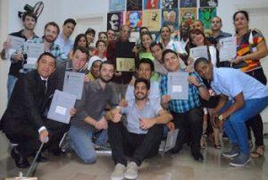 Foto del grupo de los graduados del posgrado de Periodismo Deportivo (Foto: YAG)