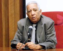 El Doctor en Ciencias Históricas Eduardo Torres Cuevas, director de la Biblioteca Nacional José Martí (Foto: YAG)